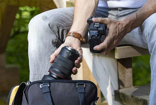 Get 15% off your next RF lens.